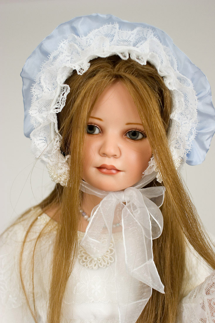 Close up of Priscilla, 29 inches, porcelain, art dolls by Francirek and Oliveira.