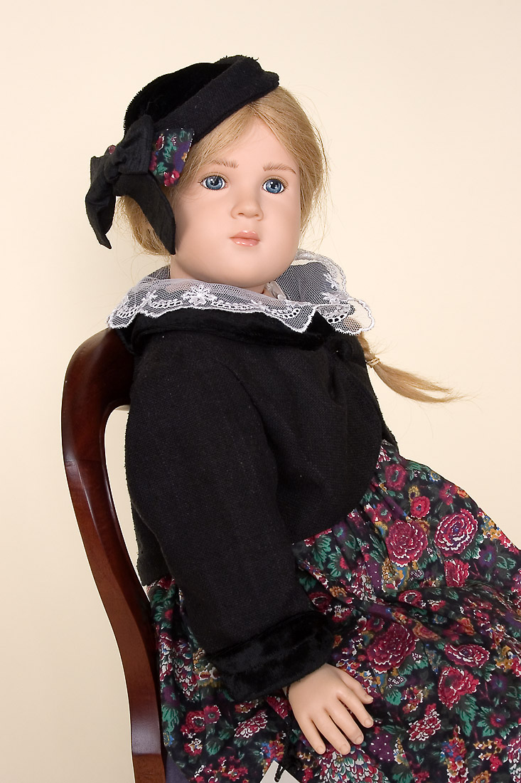 Leni Ii Vinyl Soft Body Limited Edition Collectible Doll