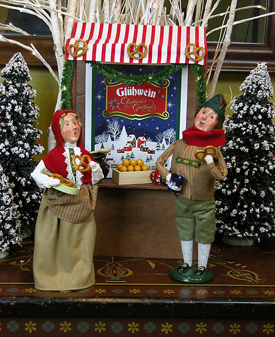 Jbigg S Little Pieces Byers Choice Carolers: Bavarian Market Stall