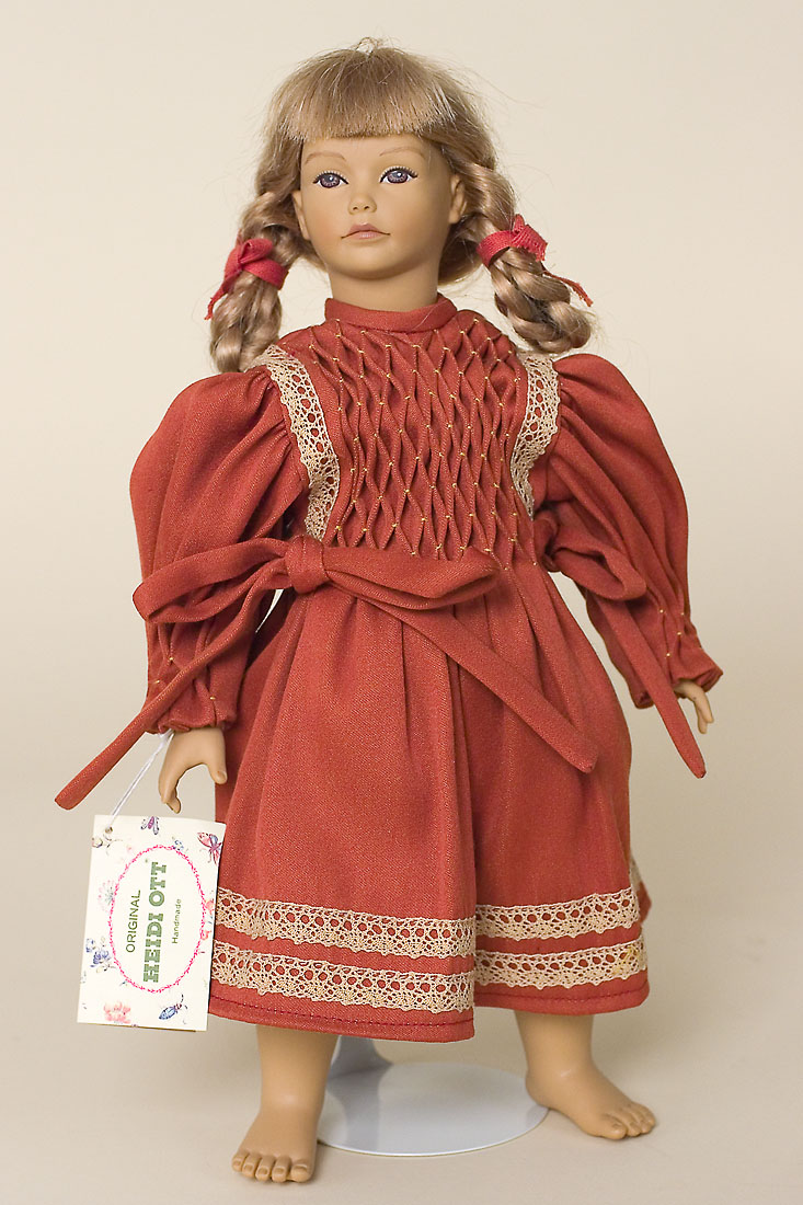Golda Vinyl Soft Body Limited Edition Collectible Doll