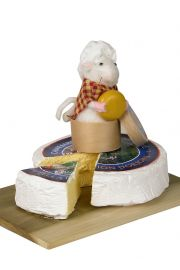 Image of Mouse on Cheese Tray caroler figurine by Byers' Choice, Ltd.