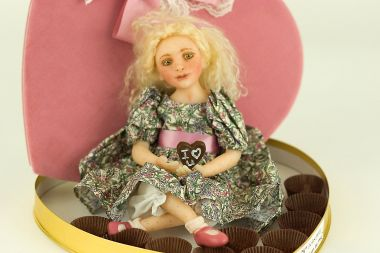 Candy the last piece - collectible limited edition polymer clay art doll by doll artist Julia Rueger.