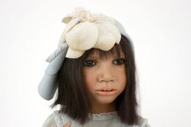 Collectible Limited Edition porcelain doll Serita by Annette Himstedt