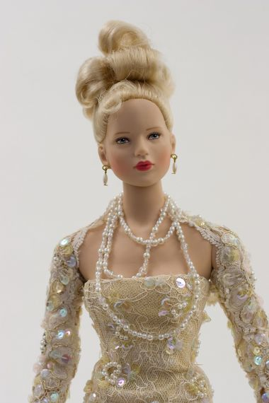 Collectible Limited Edition Vinyl doll Daphne by Robert Tonner