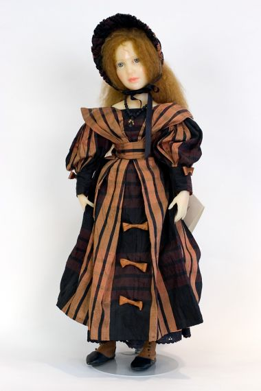 Alice - collectible limited edition resin art doll by doll artist Edna Dali.