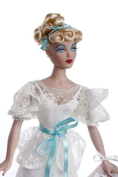 Gene Lovely in Lace 76523 - collectible limited edition vinyl hard fashion doll by doll artist Mel Odom.
